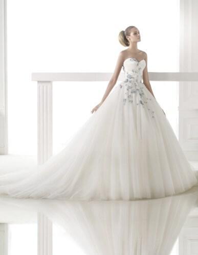 atelier-pronovias-wedding-dresses-collection-fall-2014_21