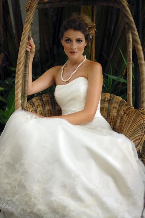 augusta_jones_bridal_collection_winter_2012_11