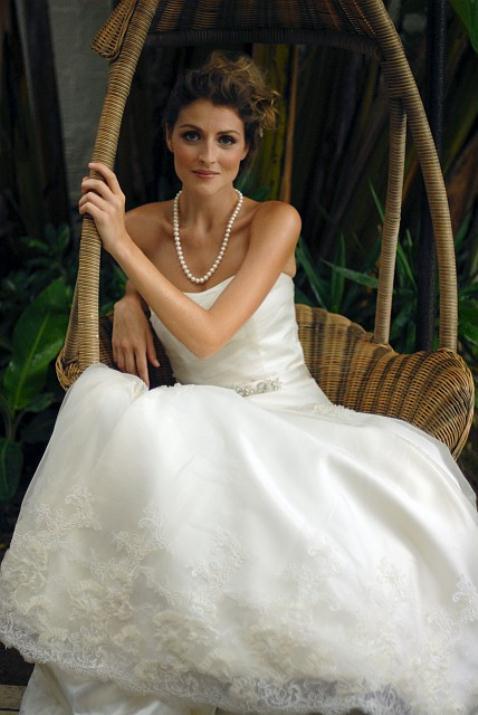 augusta_jones_bridal_collection_winter_2012_12