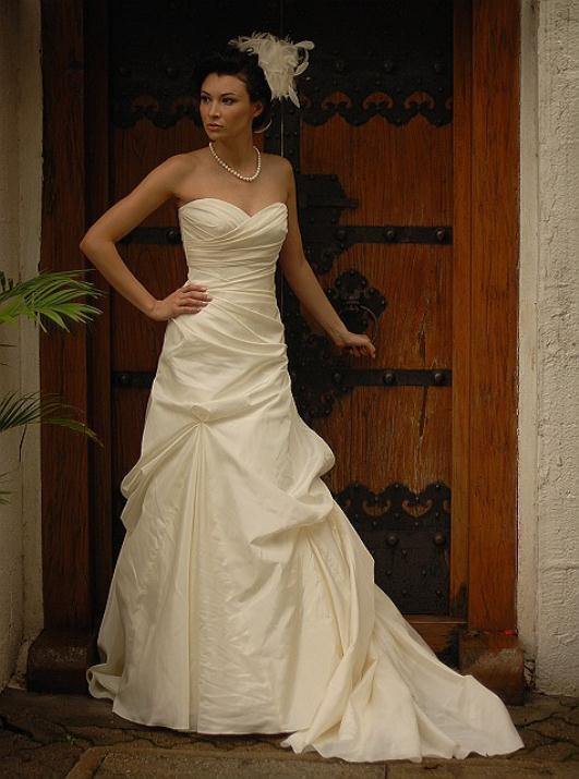 augusta_jones_bridal_collection_winter_2012_13