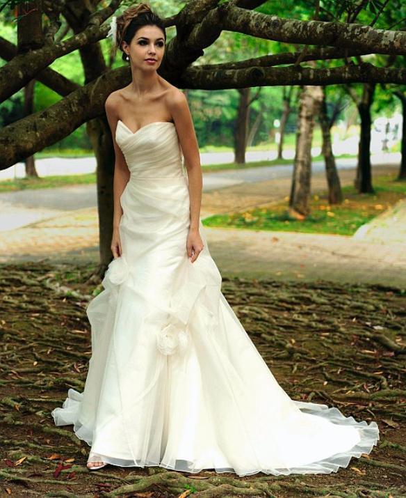 augusta_jones_bridal_collection_winter_2012_15