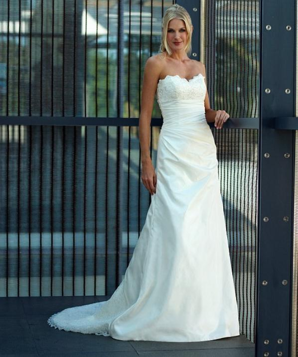 augusta_jones_bridal_collection_winter_2012_16