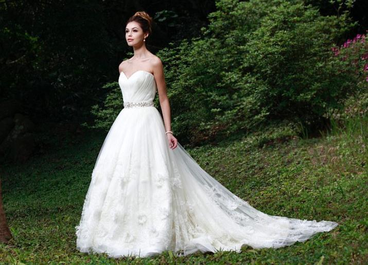 augusta_jones_bridal_collection_winter_2012_27