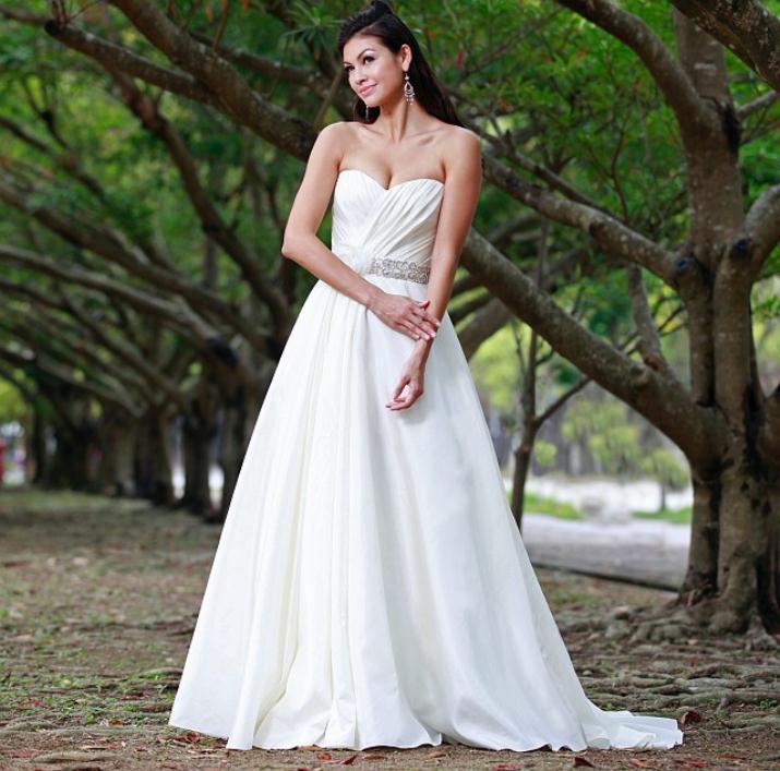 augusta_jones_bridal_collection_winter_2012_29