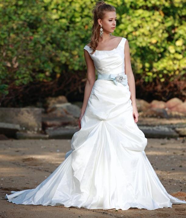 augusta_jones_bridal_collection_winter_2012_33