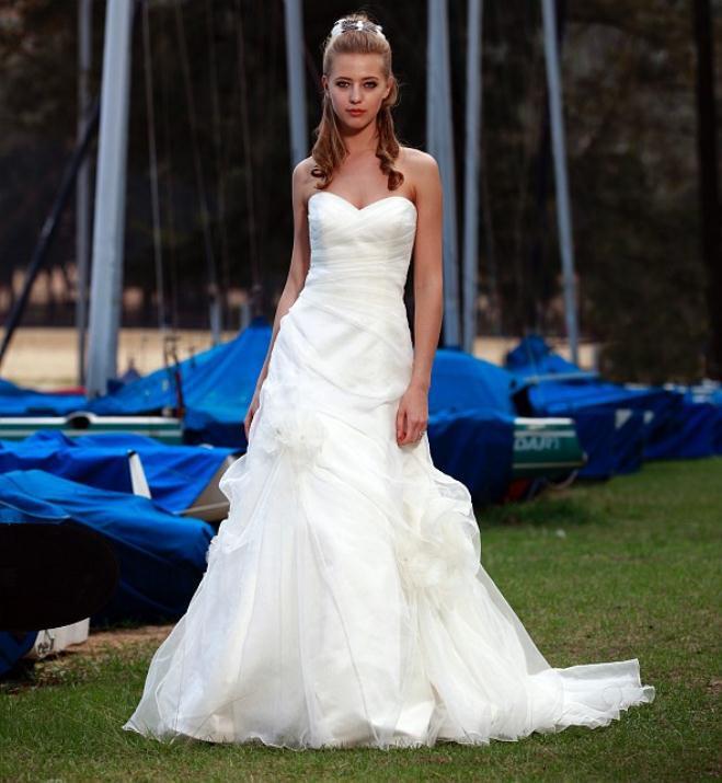 augusta_jones_bridal_collection_winter_2012_35
