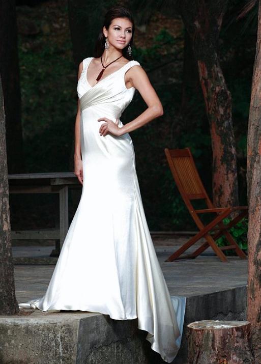 augusta_jones_bridal_collection_winter_2012_36