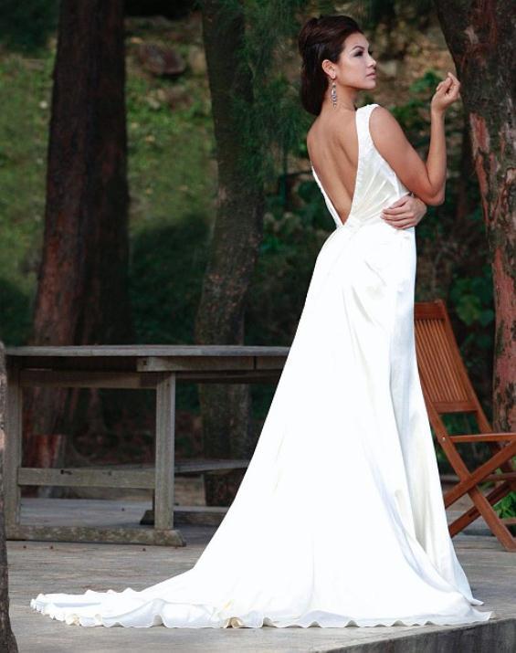 augusta_jones_bridal_collection_winter_2012_37