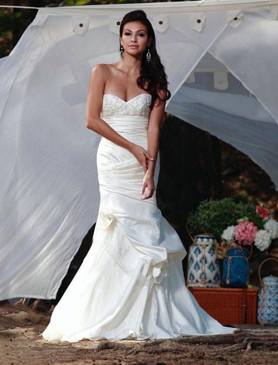 augusta_jones_bridal_collection_winter_2012_39