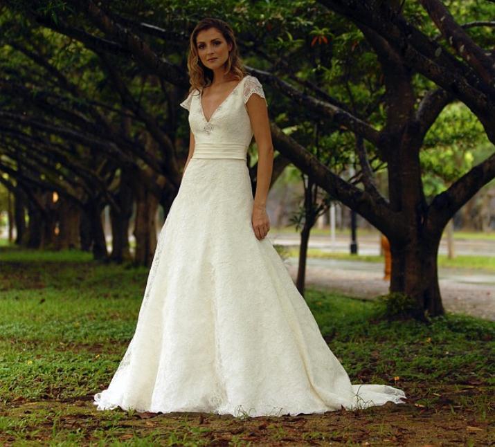 augusta_jones_bridal_collection_winter_2012_8