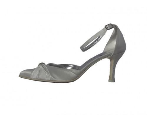 3dd7bedafe2 Νυφικά παπούτσια J. Bournazos 2013