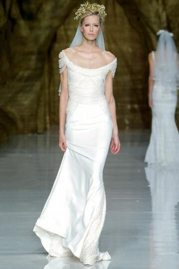 pronovias-wedding-dresses-collection-spring-2014_15