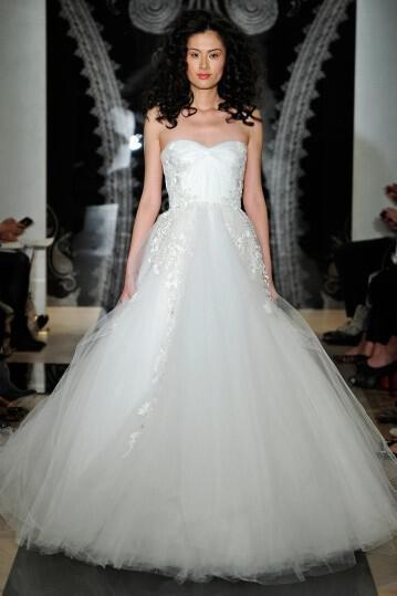 reem-acra-spring-2014-bridal-collection_23