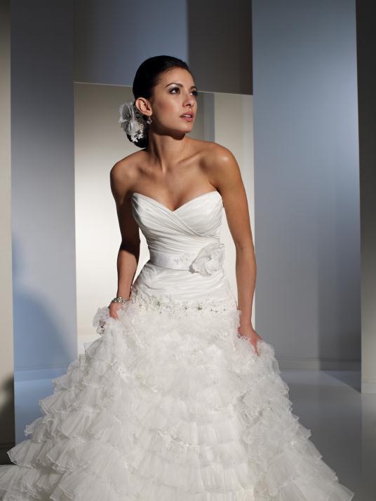 sophia-tolli_bridal_dresses_collection_winter_2012_1