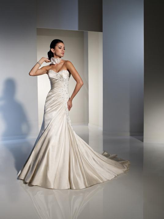 sophia-tolli_bridal_dresses_collection_winter_2012_18