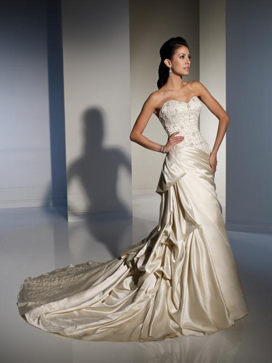 sophia-tolli_bridal_dresses_collection_winter_2012_21