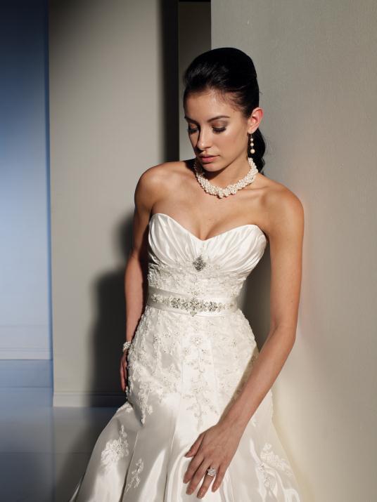 sophia-tolli_bridal_dresses_collection_winter_2012_4