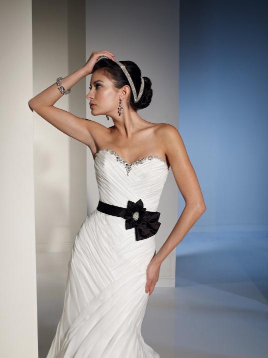 sophia-tolli_bridal_dresses_collection_winter_2012_5