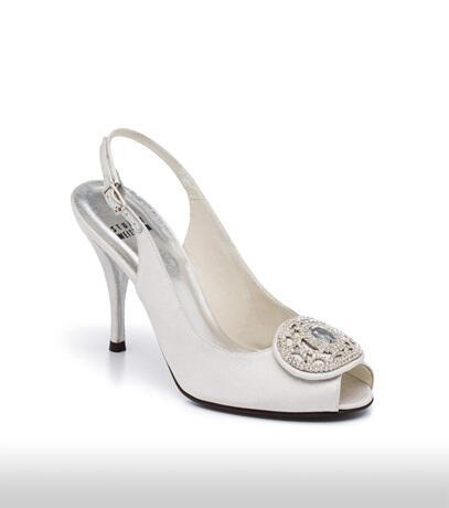 stuart_weitzman_bridal_shoes_collection_winter_2012_10