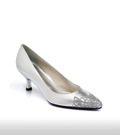 stuart_weitzman_bridal_shoes_collection_winter_2012_12