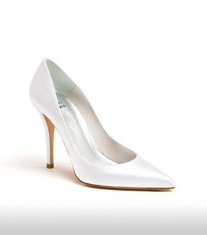 stuart_weitzman_bridal_shoes_collection_winter_2012_14