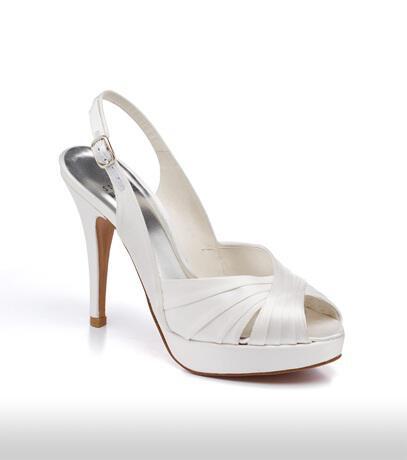 stuart_weitzman_bridal_shoes_collection_winter_2012_19