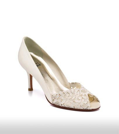 stuart_weitzman_bridal_shoes_collection_winter_2012_3