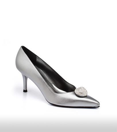 stuart_weitzman_bridal_shoes_collection_winter_2012_4