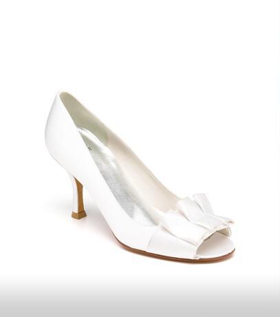 stuart_weitzman_bridal_shoes_collection_winter_2012_5
