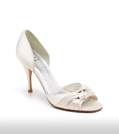 stuart_weitzman_bridal_shoes_collection_winter_2012_7