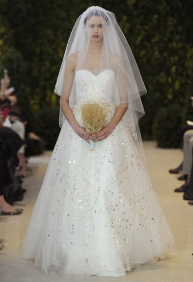 wedding-dresses-2014-top-designs-of-the-season_carh5_2544714a