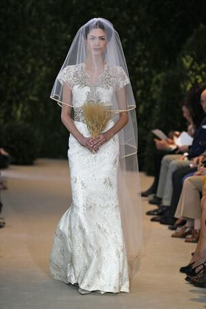 wedding-dresses-with-sleeves-ss-2014_herrera_221