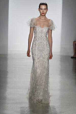wedding-dresses-with-sleeves-ss-2014_pool_091