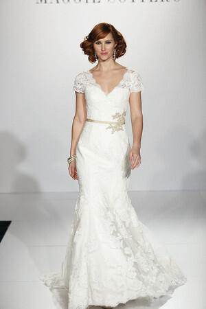 wedding-dresses-with-sleeves-ss-2014_sottero_076