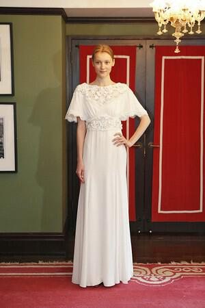 wedding-dresses-with-sleeves-ss-2014_temperly_026