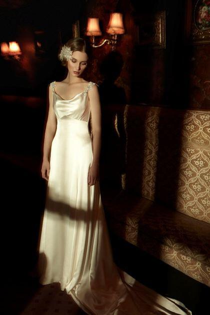 wedding-dresses-with-straps-2014_3