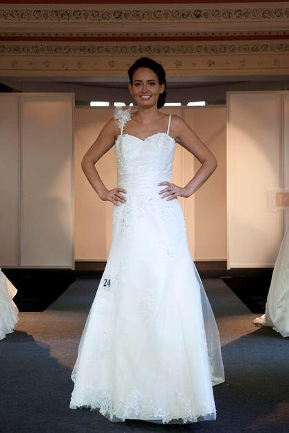 wedding-dresses-with-straps-2014_8