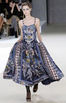 Καλεσμένες! Τι θα φορέσετε την Άνοιξη και το καλοκαίρι του 2011
