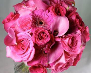 anthodesmi nifi roz kales triantafylla 350x280 - Η ανθοδέσμη της νύφης