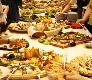 catering deksiosi gamos tra 320x280 - Δεξιώση γάμου με catering : οι επιλογές στο μενού