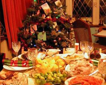 deipno revegion xristougenna trapezi 350x280 - Χριστουγεννιάτικο ρεβεγιόν : Διακόσμηση - Εδέσματα