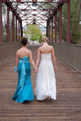 Τρόποι καλής συμπεριφοράς για τις κουμπάρες στο γάμο