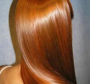 lampera mallia nifiko xtenisma 300x280 - 7 Tips για υγιή, απαλά και λαμπερά μαλλιά