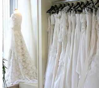 many gowns 315x280 - Πως να βρείτε το σωστό νυφικό