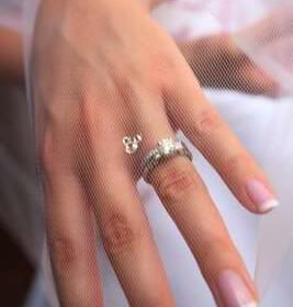 nails manicure bride gamos 267x280 - Τέλειο μανικιούρ σε 10 βήματα