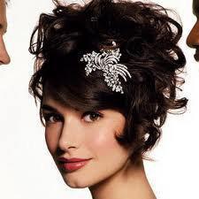 nifi xtenisma konta mallia1 1 - Η νύφη είχε κοντά μαλλιά...