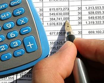 xrimata gamos budget lefta 350x280 - Οργανώστε τον προϋπολογισμό του γάμου σας