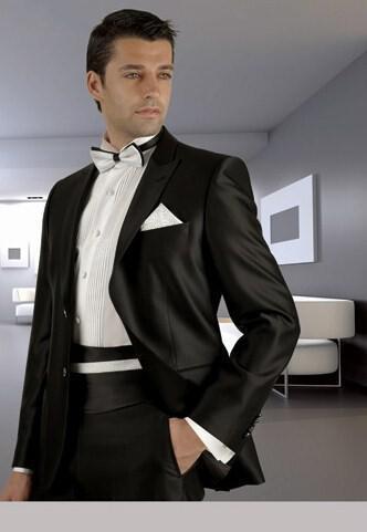 12 - Ανδρικά γαμπριάτικα κοστούμια MANOUEL