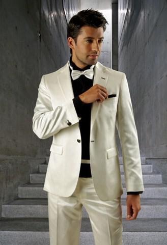 51 - Ανδρικά γαμπριάτικα κοστούμια MANOUEL