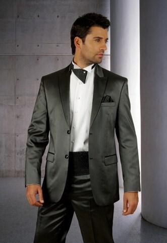 62 - Ανδρικά γαμπριάτικα κοστούμια MANOUEL